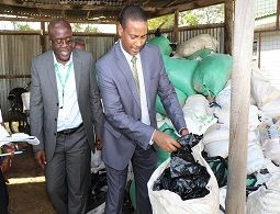 8 tonnes of banned plastic bags seized